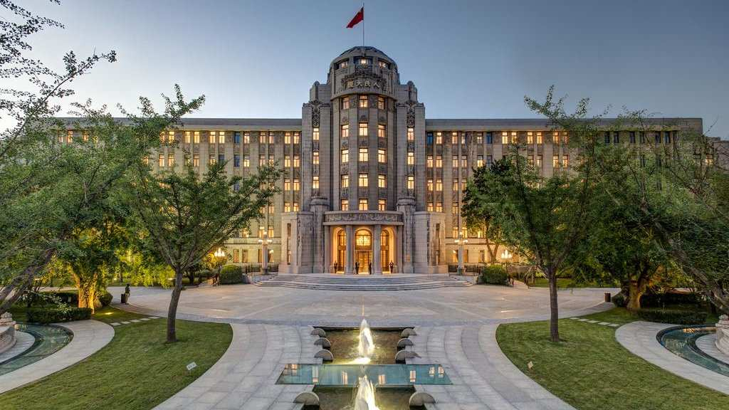 The Sofitel Legend People's Grand Hotel in Xi'an is definitely one of the most incredibly grand hotels we've ever stayed in!