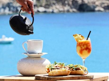 Jackie O' Beach Club on Mykonos is a fun spot to hang out which also does pretty incredible food