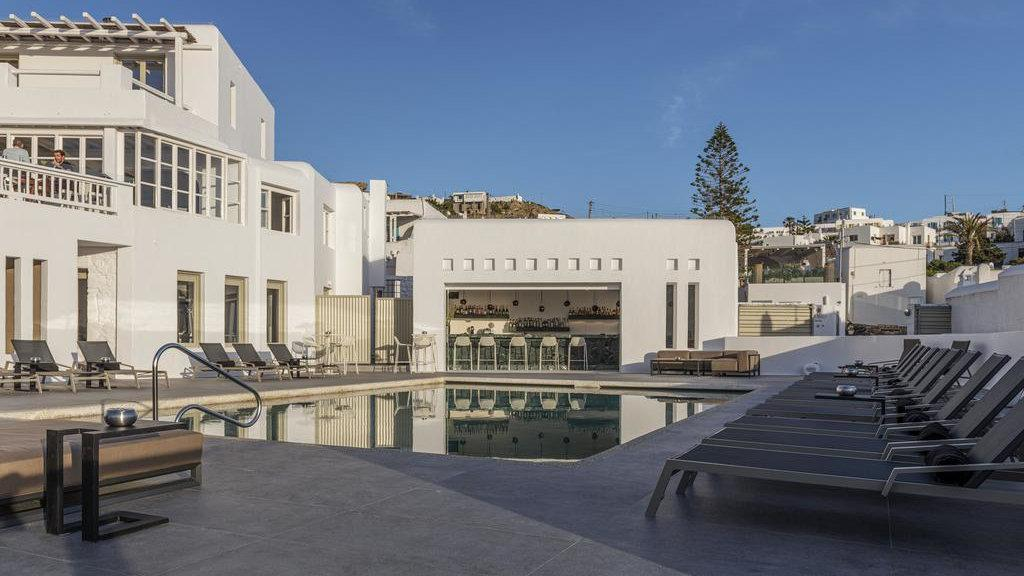 The Rochari Hotel is a lovely medium-budget option on Mykonos with lots of excellent amenities