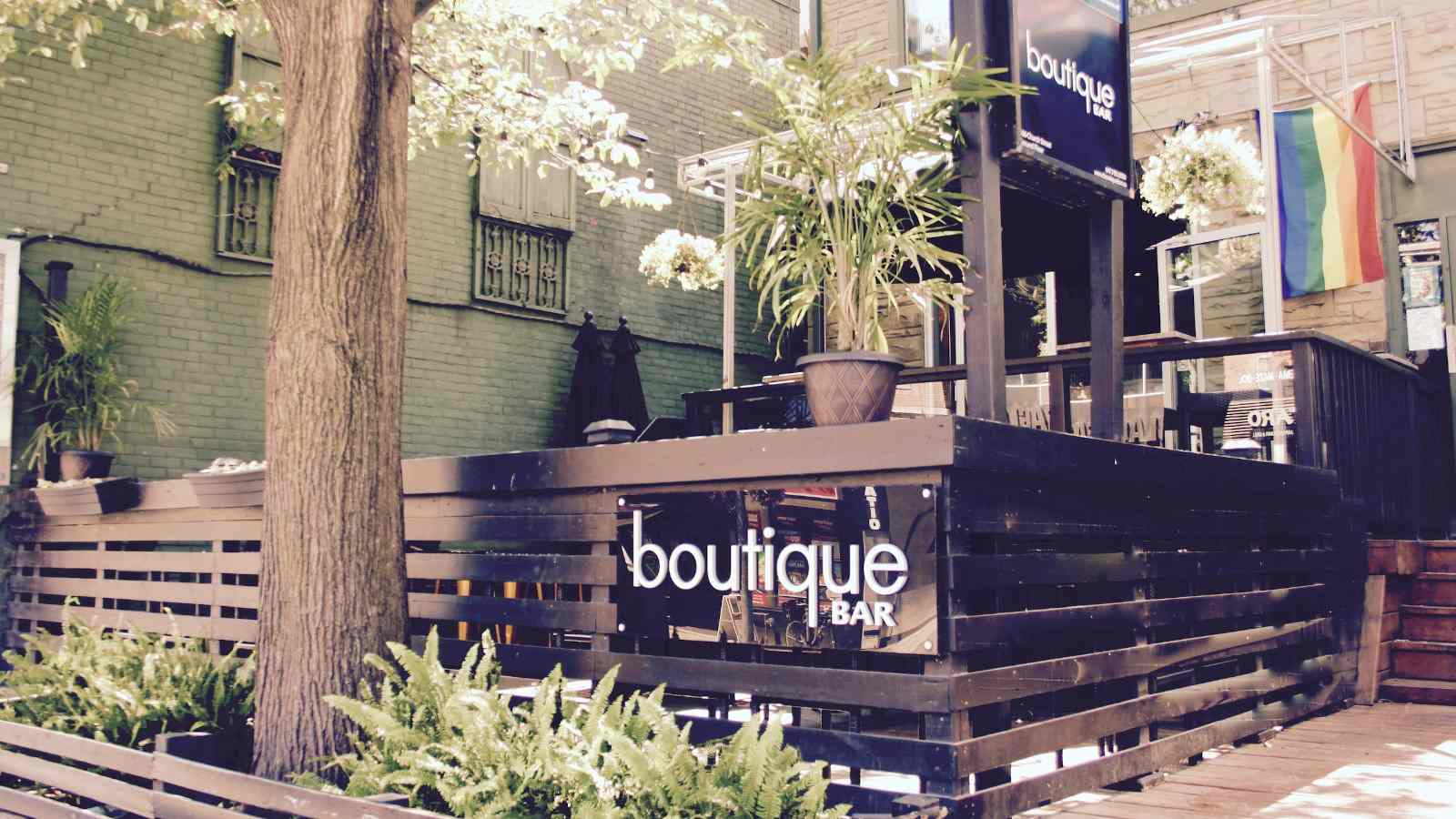 Boutique bar in Toronto with its outdoor terrasse
