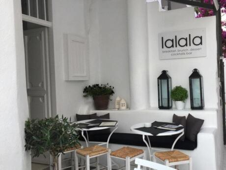 Lalala is our favourite place for brunch on Mykonos with the best pancakes on the island!