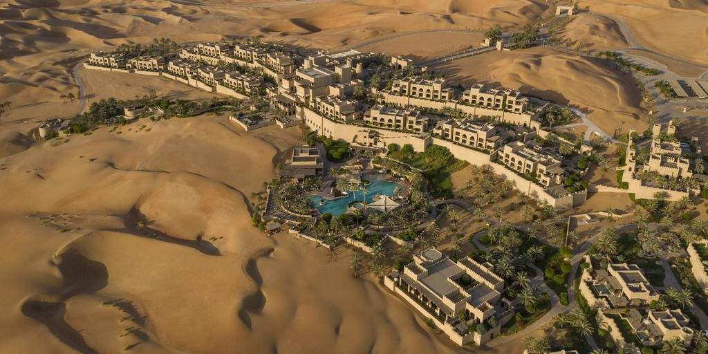 The Anantara Qasr al Sarab Desert Resort in Abu Dhabi is a luxurious and gay friendly oasis in the desert