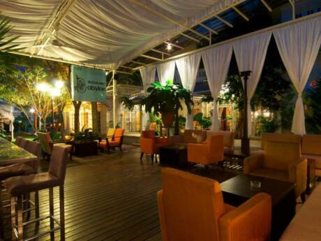 Beach Blanket Babylon is a beautiful seaside resto-bar that's perfect for a romantic cocktail at sunset in Penang