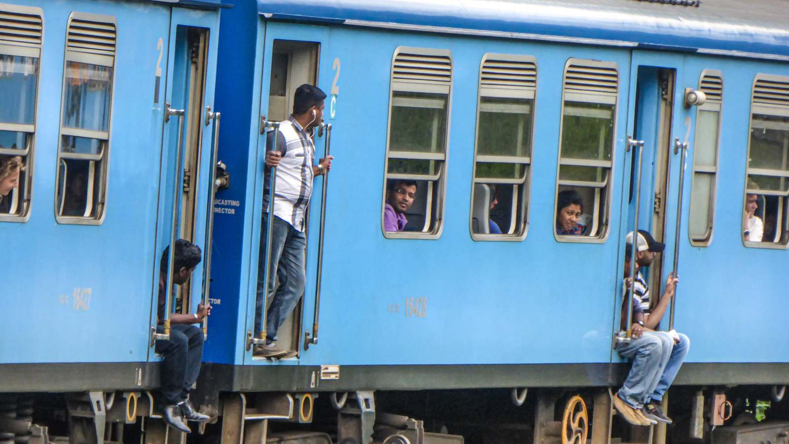 The train system in Sri Lanka dates back from the colonial times, here is a blue train