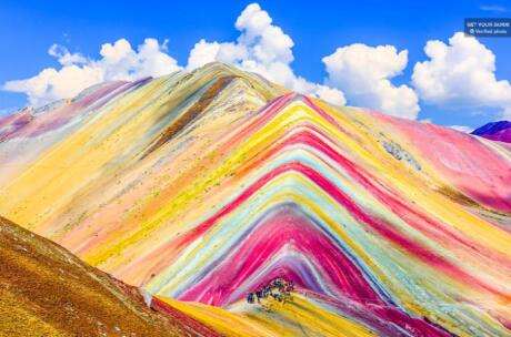 The rainbow mountain of Cusco is probably the gayest mountain in Peru