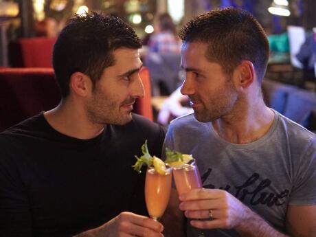 Beber no romântico Taipai speakeasy em kota kinabalu