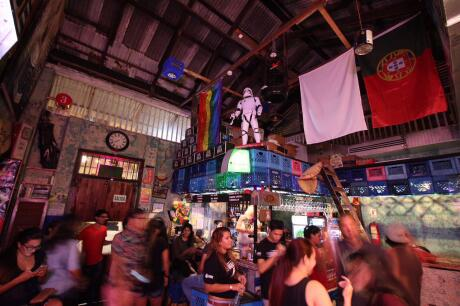 A fun bar restaurant welcoming LGBTQ travellers in Panama city
