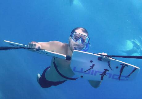 Subwing nas ilhas Gili é uma das melhores atividades para ver o mundo subaquático