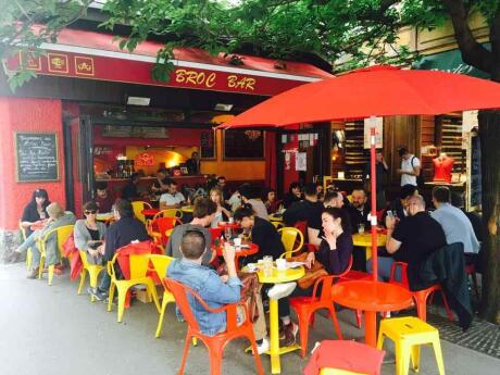 Le Broc Bar is one of our favourite cafes in Lyon with a fabulous outdoor terrace