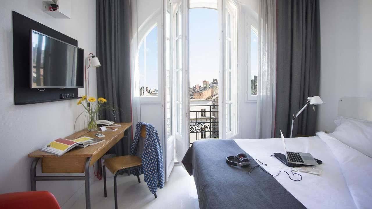 O Collège Hôtel é um local peculiar em Lyon, projetado para lembrá-lo da escola e de uma localização fabulosa
