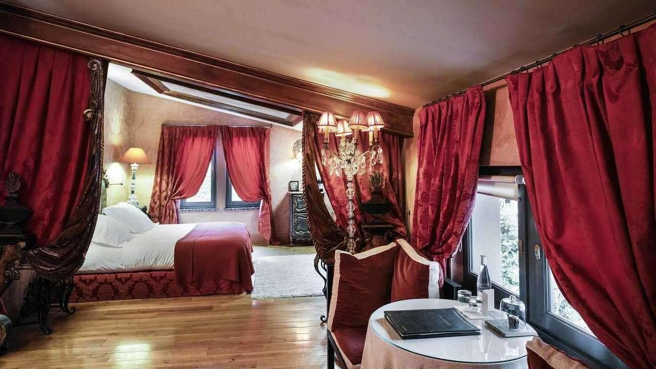 O Cour des Loges é um dos hotéis mais requintados de toda a cidade de Lyon, tão romântico e gay!