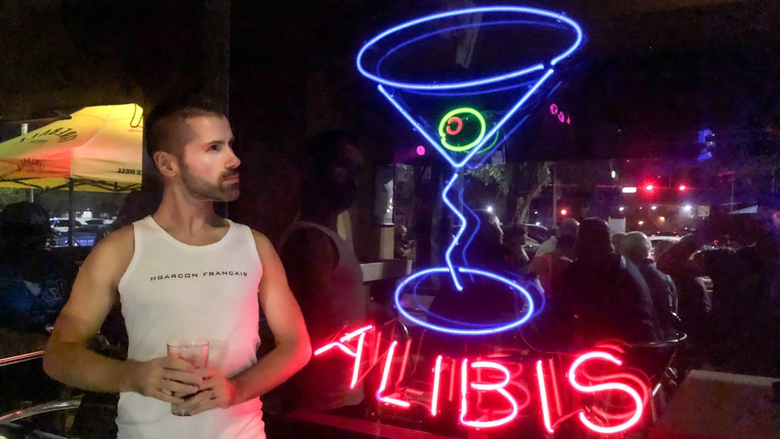 O Álibi Monkey Bar da Georgie é o maior e possivelmente mais famoso bar gay de Fort Lauderdale