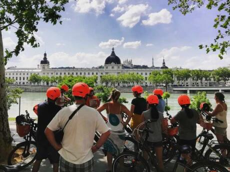 Going on an e-bike tour is a way and healthy way to see all the sights in Lyon