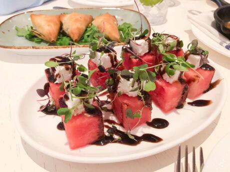 Thásos é o nosso restaurante preferido em Fort Lauderdale para culinária grega autêntica e música ao vivo!