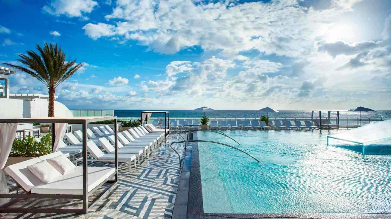 OW Fort Lauderdale Hotel é muito simpático e luxuoso, com uma piscina incrível