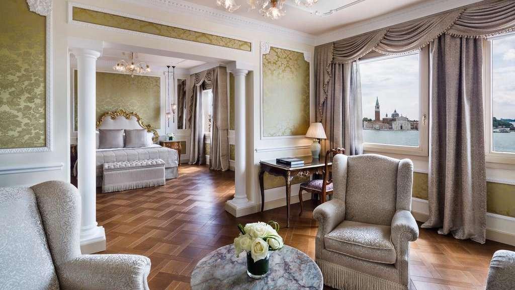 O Baglioni Hotel Luna é um local de luxo em Veneza, decorado em estilo barroco, para que os hóspedes se sintam como rainhas!
