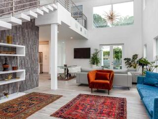 If you don't feel like staying at an impersonal hotel, these gay Airbnbs in Fort Lauderdale will make you feel right at home!