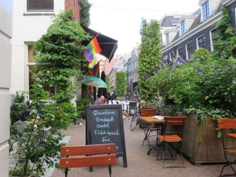 Downtown Lunchroom is a gay cafe with yummy food in the heart of Amsterdam's gay neighbourhood