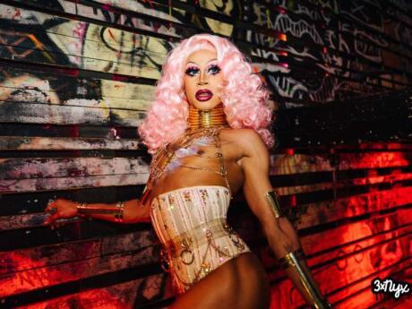 Nyx é uma enorme e emocionante discoteca gay em Amsterdam que você não vai querer perder.