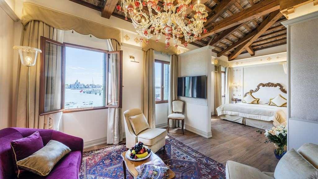 O Hotel Monaco & Grand Canal é um lugar deslumbrante e luxuoso para ficar no coração de Veneza, com vistas incríveis