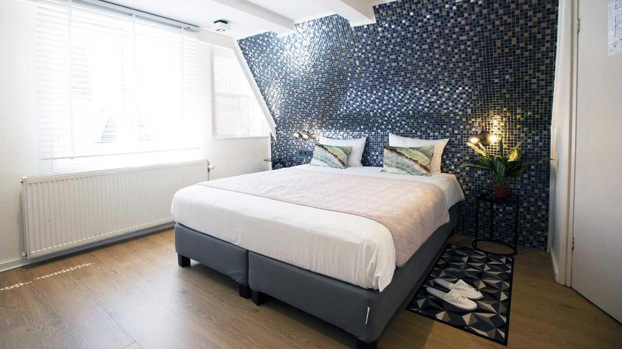 O Quentin Golden Bear Hotel não é mais um hotel 'gay', mas é gay friendly e uma boa escolha econômica em Amsterdã
