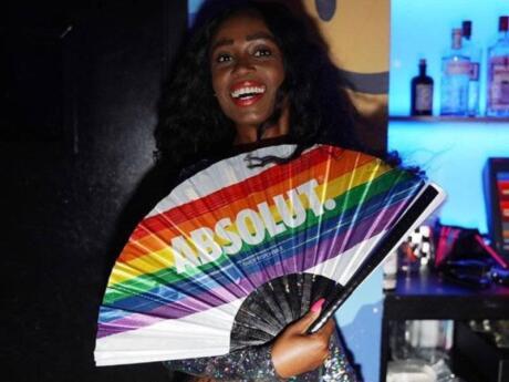 Basement é um clube heterossexual em Miami, mas é muito gay friendly com uma pista de boliche e uma pista de gelo dentro dela!