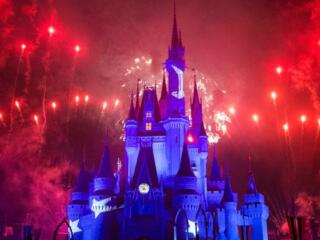 Find out all about the red shirt days and One Magical Weekend gay events at Disney World Orlando right here