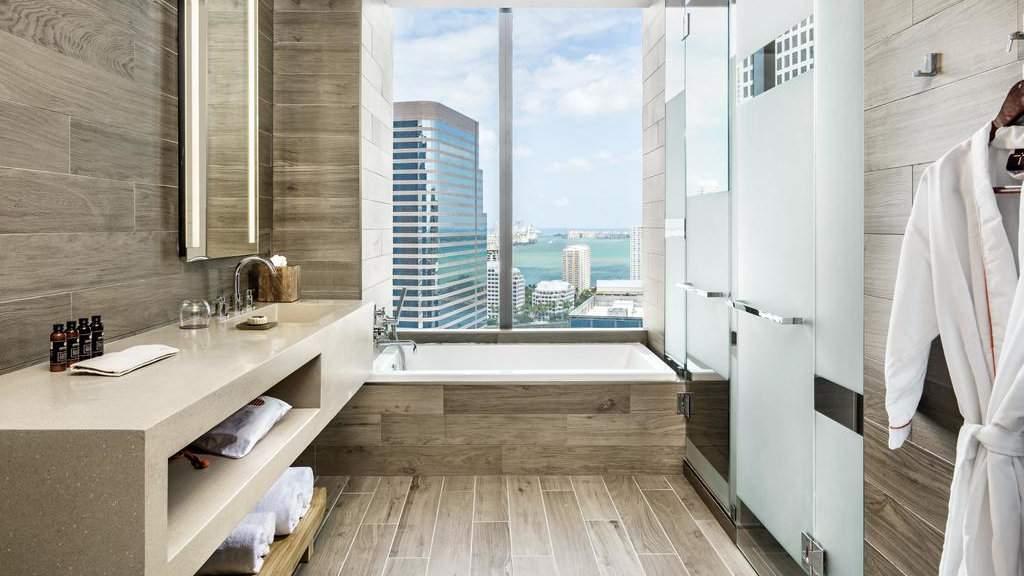 O hotel EAST Miami é incrivelmente luxuoso, tem vistas incríveis e é muito gay friendly