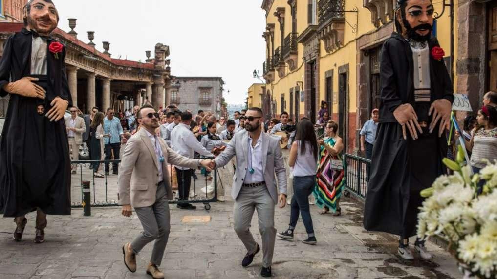 O Orgulho Gay acontece durante três dias em agosto em San Miguel de Allende e é uma festa incrível!