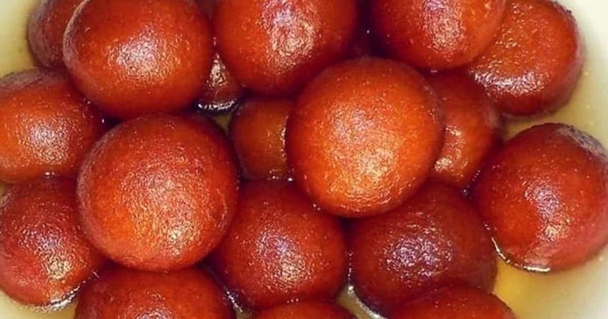 Os viajantes para a Índia definitivamente precisam experimentar o Gulab Jamun, a comida favorita de Manvendra