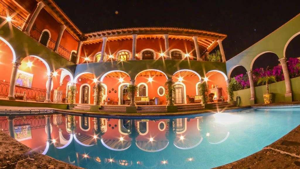Casa Don Pascual é um lindo hotel gay friendly em Sal Miguel com uma bela piscina