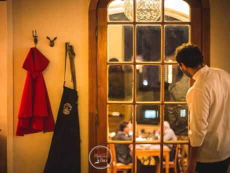 La Capurcita y el Lobo é um restaurante elegante e romântico em Valparaíso
