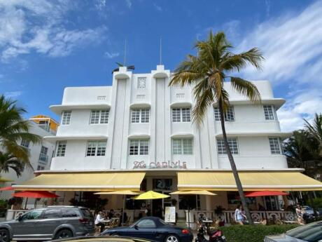 Miami's Ocean Drive is a fun area to visit, especially if you enjoy seeing art deco architecture