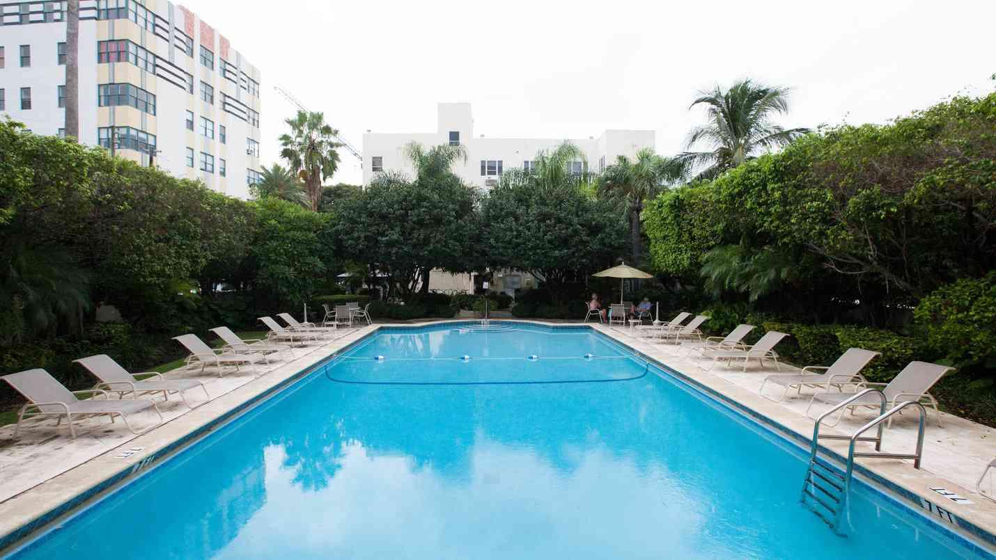 O Bresaro Suites, de propriedade gay, no edifício Mantell Plaza é um ótimo local para se hospedar em Miami