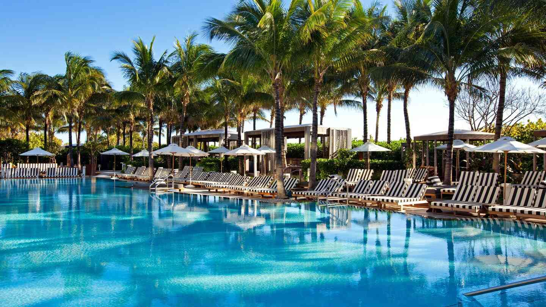 O W South Beach é um resort luxuoso e gay que adoramos ficar em Miami