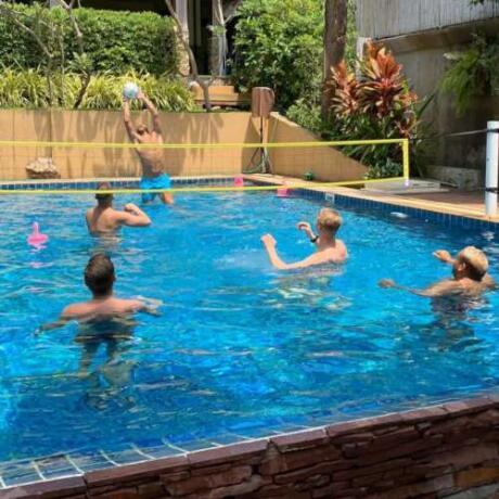 O Alpha Gay Resort é o melhor lugar para viajantes gays se hospedarem ao visitar Koh Samui, na Tailândia