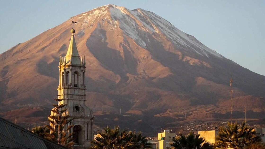This is our complete gay travel guide to Arequipa, the city in Peru surrounded by (dormant) volcanoes!