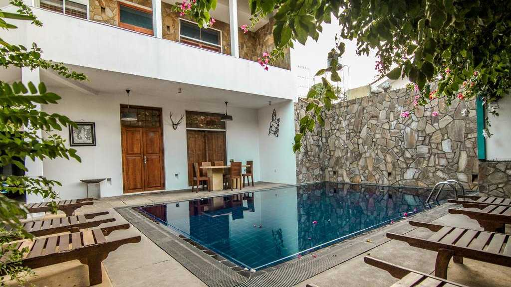 Gomez Place in Negombo has fabulously friendly staff and is very popular with gay travelers due to their inclusive atmosphere