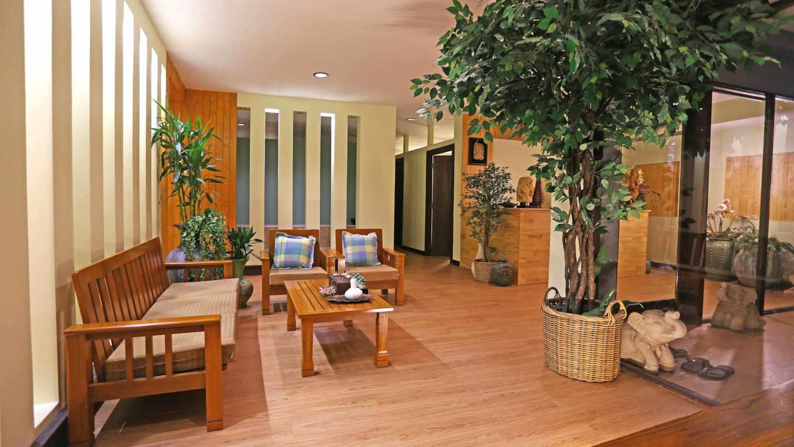 O Paradis Massage and Spa é um fabuloso salão de massagens gays em Bangkok, próximo à DJ Station do clube gay