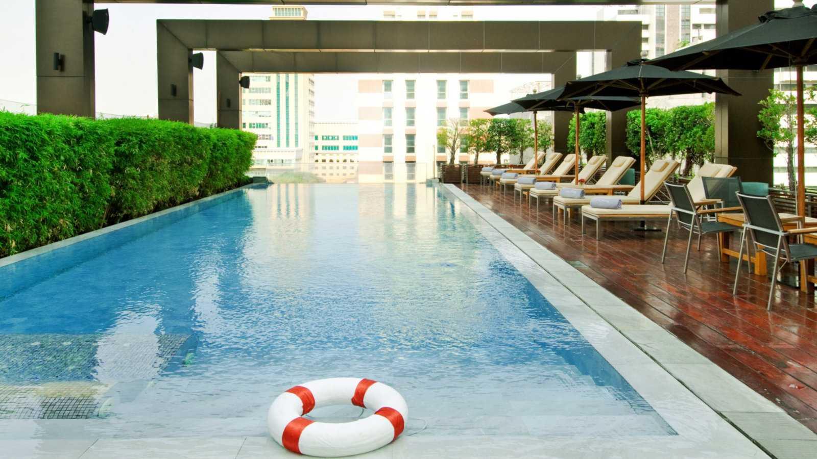 Para um hotel gay friendly com arte peculiar em Bangkok, vá ao Vie Hotel by MGallery