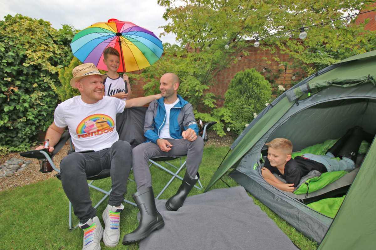 Daddy and Dad é um blog emocionante sobre dois pais gays e a vida com seus adoráveis filhos adotivos