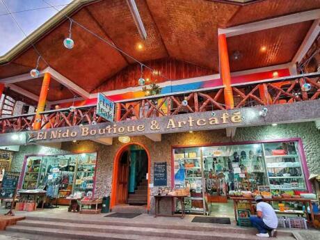 A El Nido Boutique e Artcafe em Palawan serve comida deliciosa e tem a equipe mais adorável