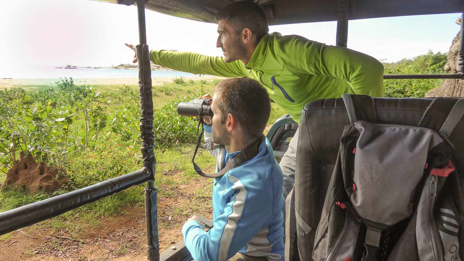 Wear long sleeved clothes to protect yourself on a safari in Udawalawe