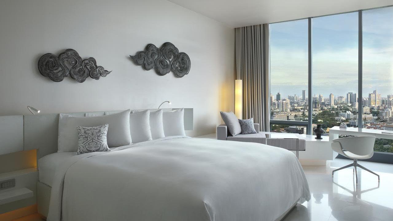 O hotel SO / Bangkok tem algumas das vistas mais incríveis de Bangkok e quartos luxuosos