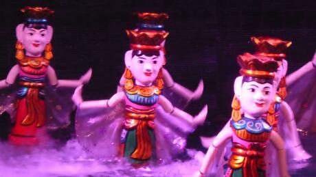 Os fantoches de água são uma tradição consagrada do Vietname, que recomendamos que veja por si mesmo