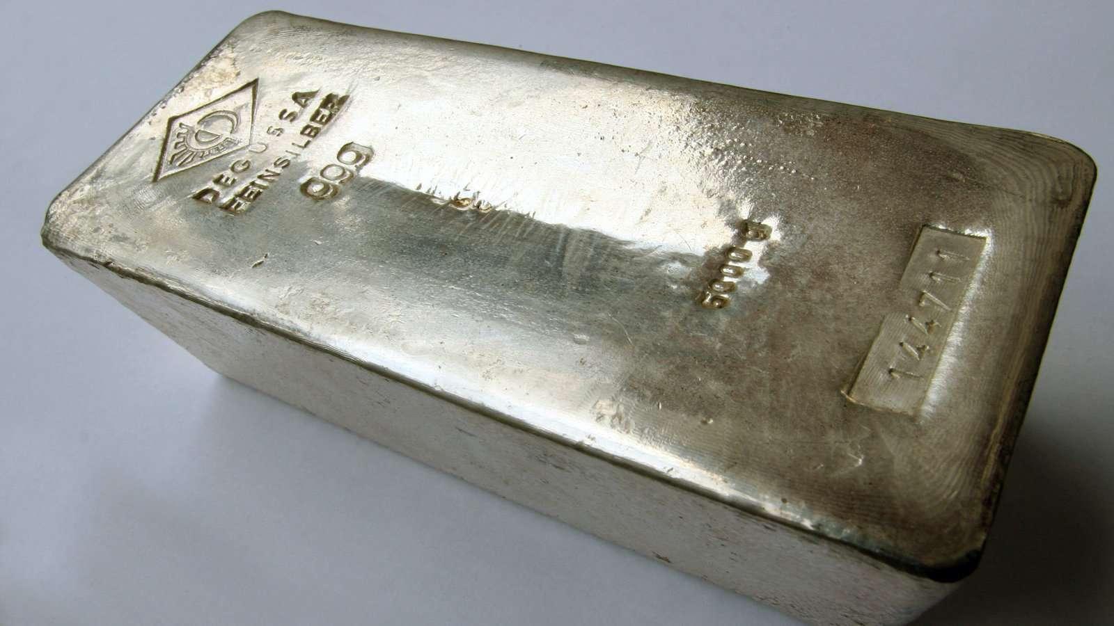 A Argentina tem esse nome devido a rumores de prata e sendo chamada