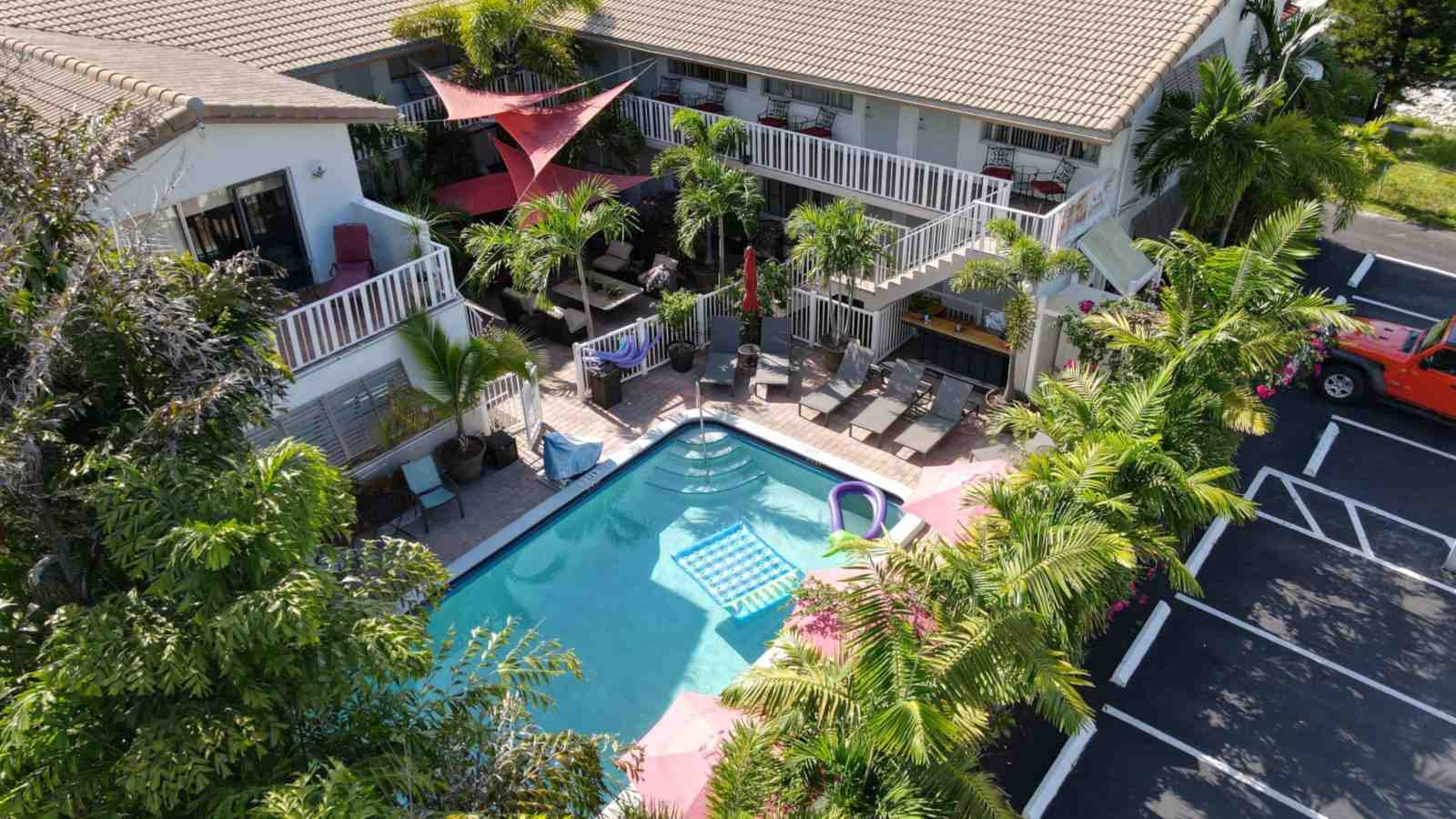 The Big Coconut Guesthouse is a fabulous gay resort in Fort Lauderdale right by the beach