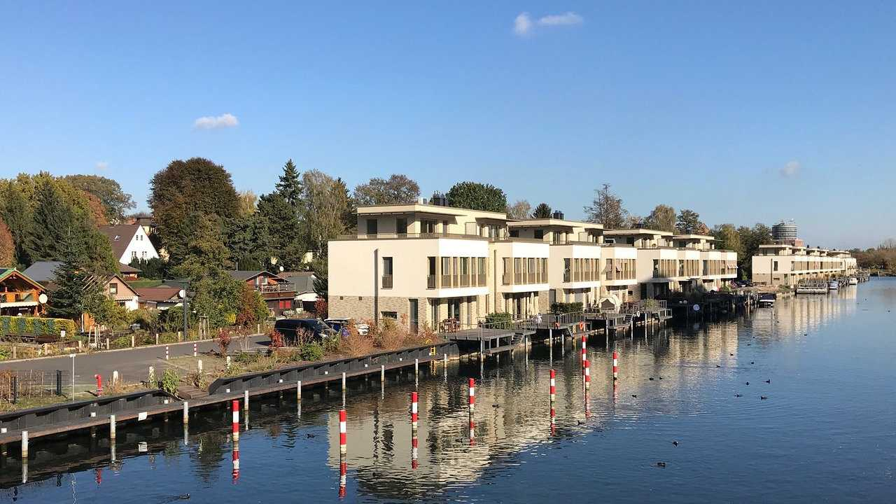 The canals of Berlin's Tegel neighborhood are the perfect location for a romantic stroll