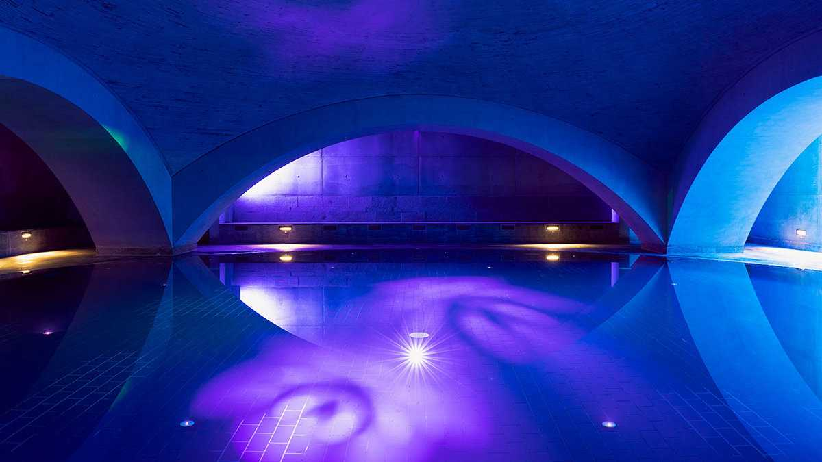The Liquidrom Spa in Central Berlin is one of the most popular romantic experiences in the City