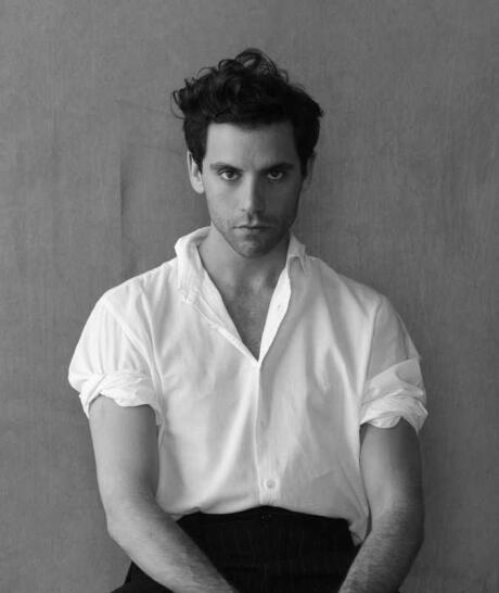 MIKA is a well-known (and hot) gay singer with some great bops to his name